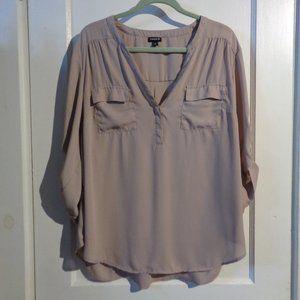 Torrid V-Neck 3/4 Sleeve T-Shirt